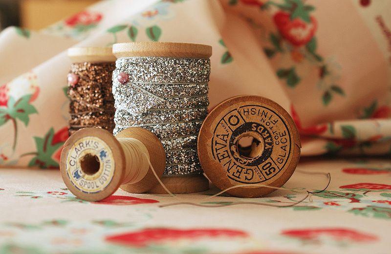 vintage spools and Atsuko Matsuyama fabric, T2661pp1
