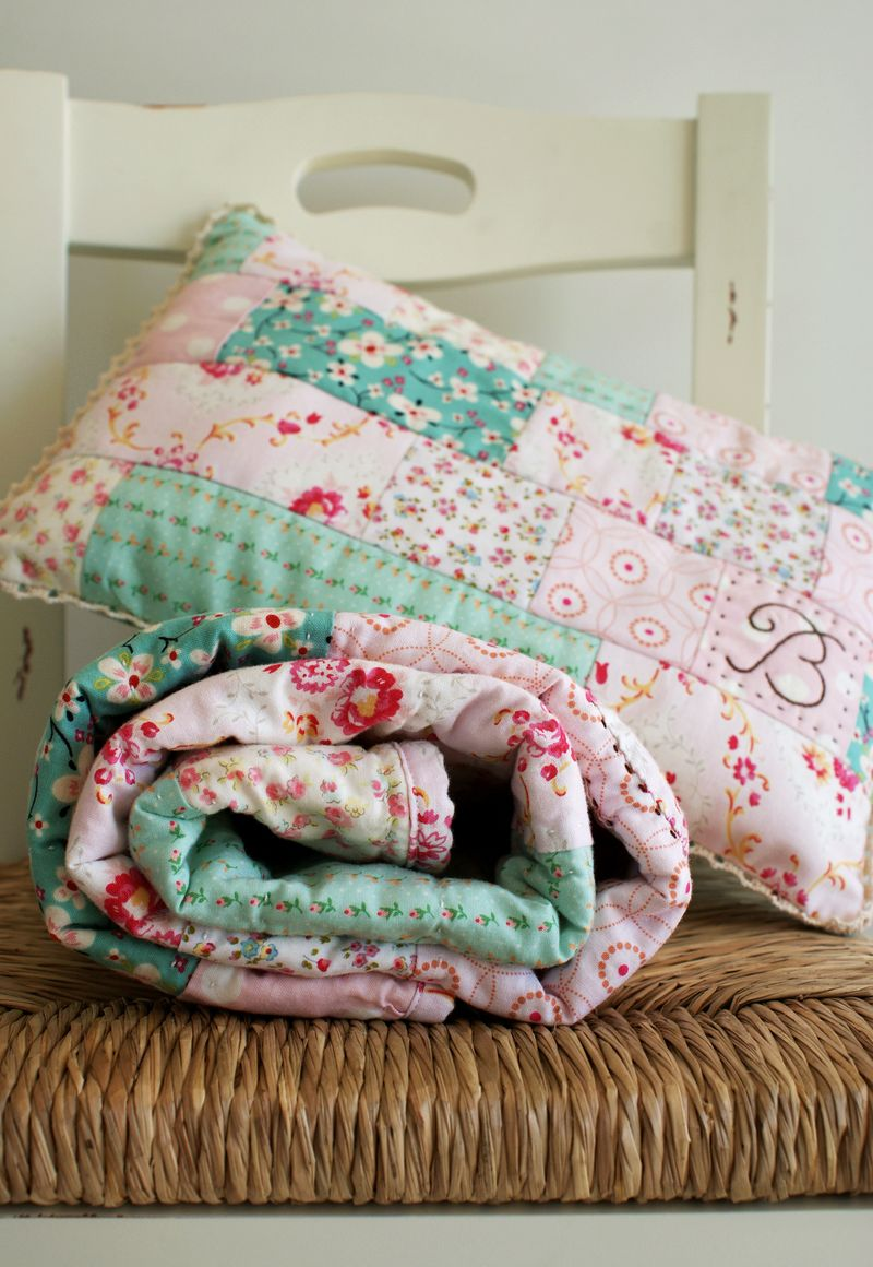 handmade baby quilt for a girl, B149pp