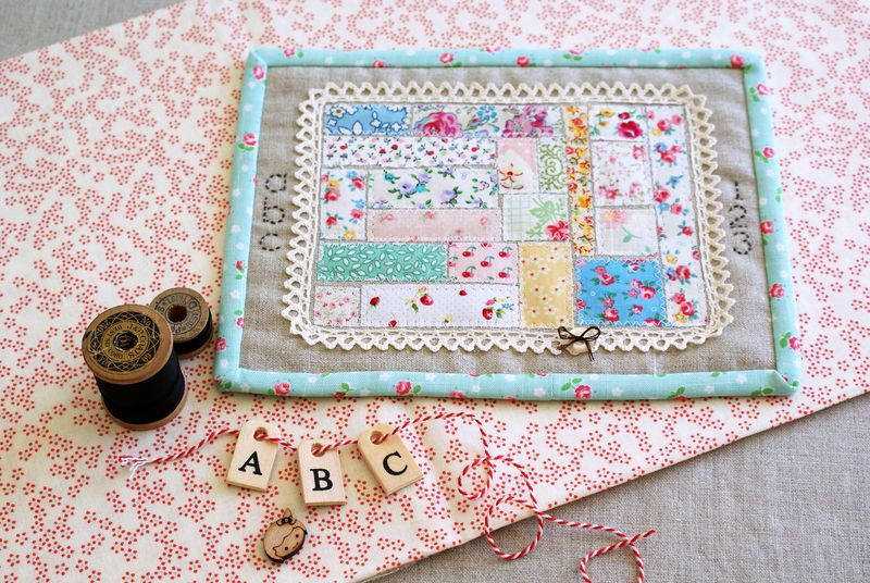 linen + scrap mini quilt, wall hanging, by nanaCompany, A1461