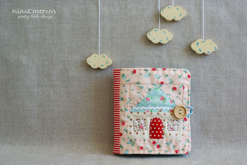 handmade quilted patchwork house needlebook by nanaCompany, T138t