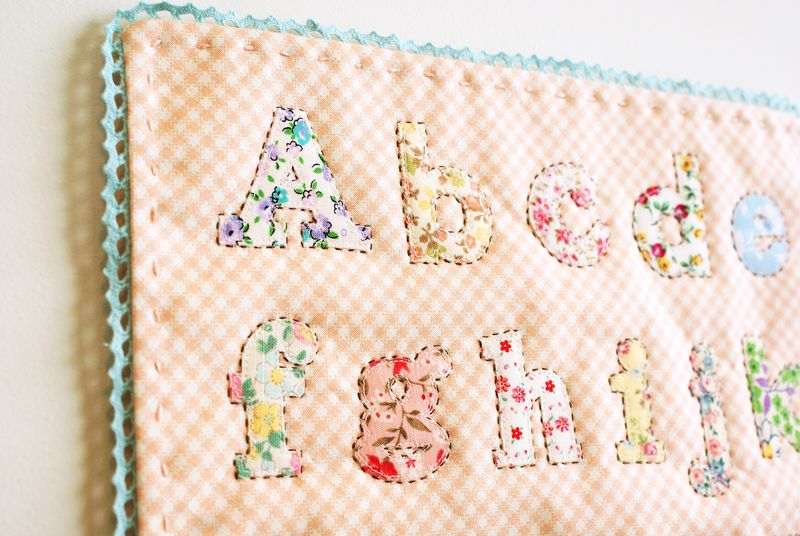 alphabet applique, A073p