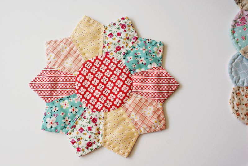 handmade dresden plate trivet by nanaCompany