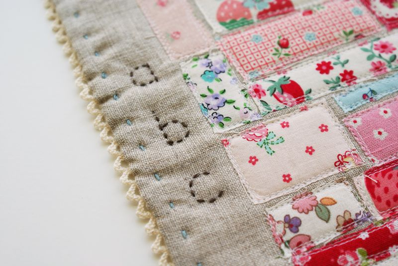 scrap mini quilt, handmade by nanaCompany,