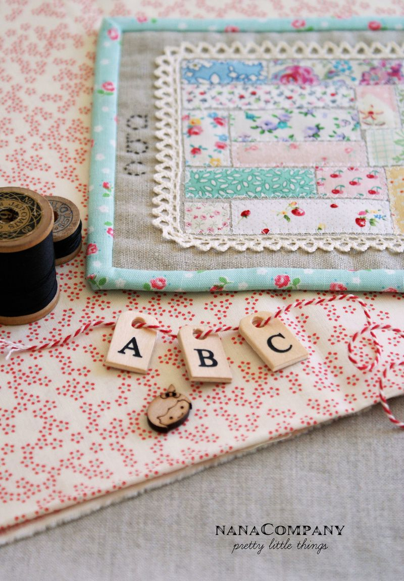 abc 123 linen + scrap mini quilt by nanaCompany, A084t1