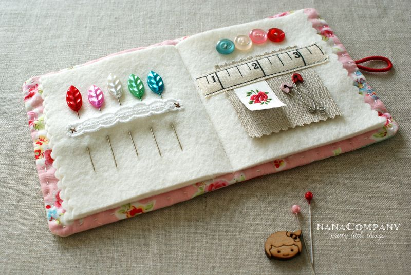 Embroidery Stitching Needle Storage Wood Needle Case for Sewing