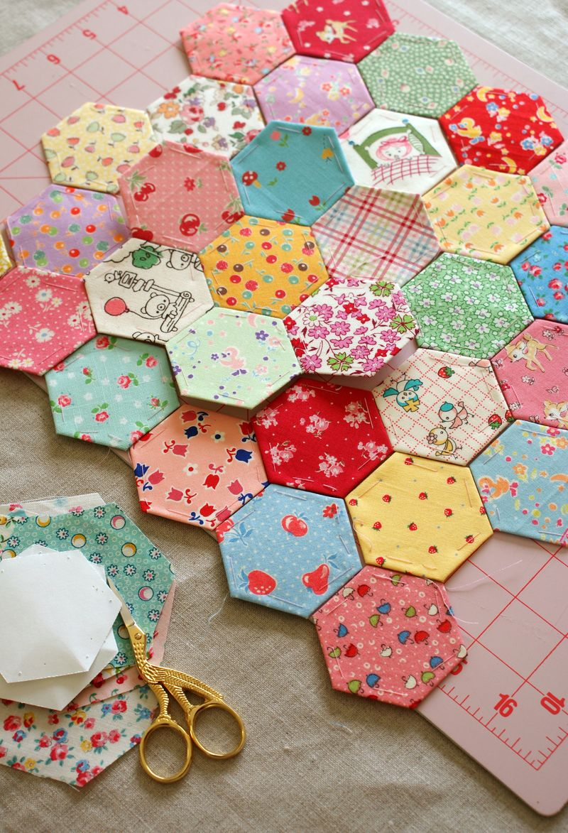 hexagons in my favorite 30's and japanese fabrics,, H054pppp