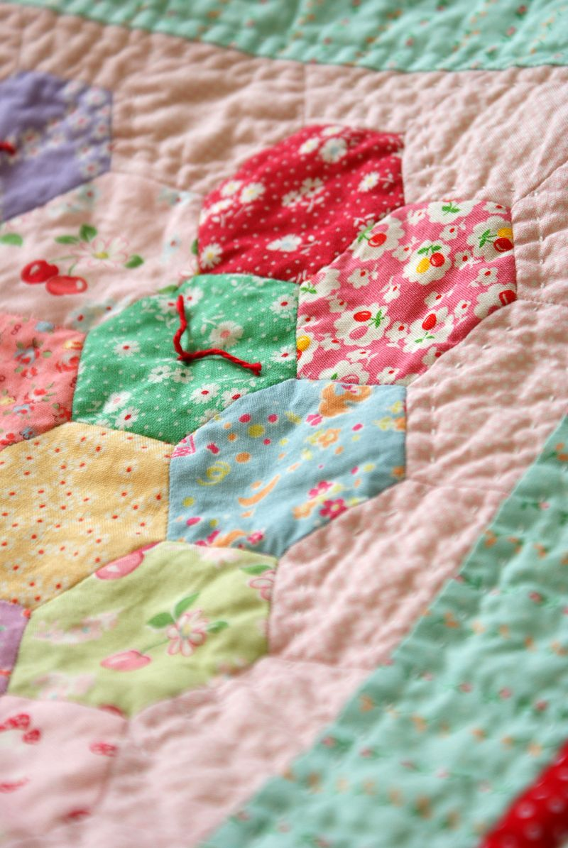 hand tied hexagon doll quilt, D121