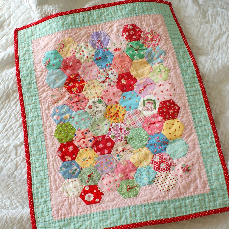 hand tied hexagon doll quilt, D158