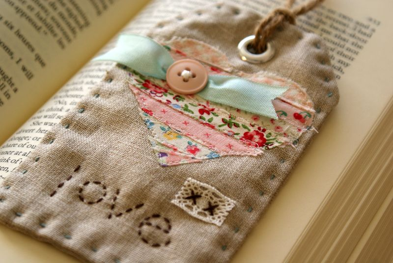 linen and scraps fabric tag, T160