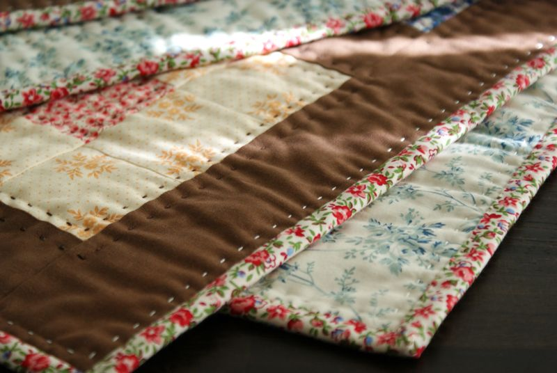 hand quilting on the brown quilt, Q042p