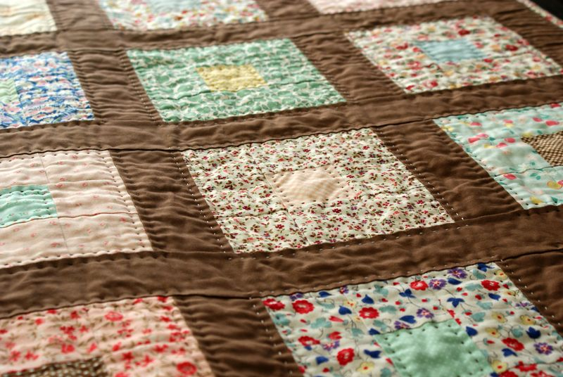 the brown quilt, handmade by nanaCompany, Q001