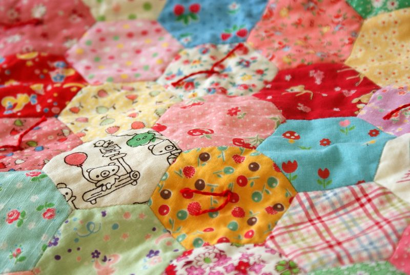 hand tied hexagon doll quilt, D245