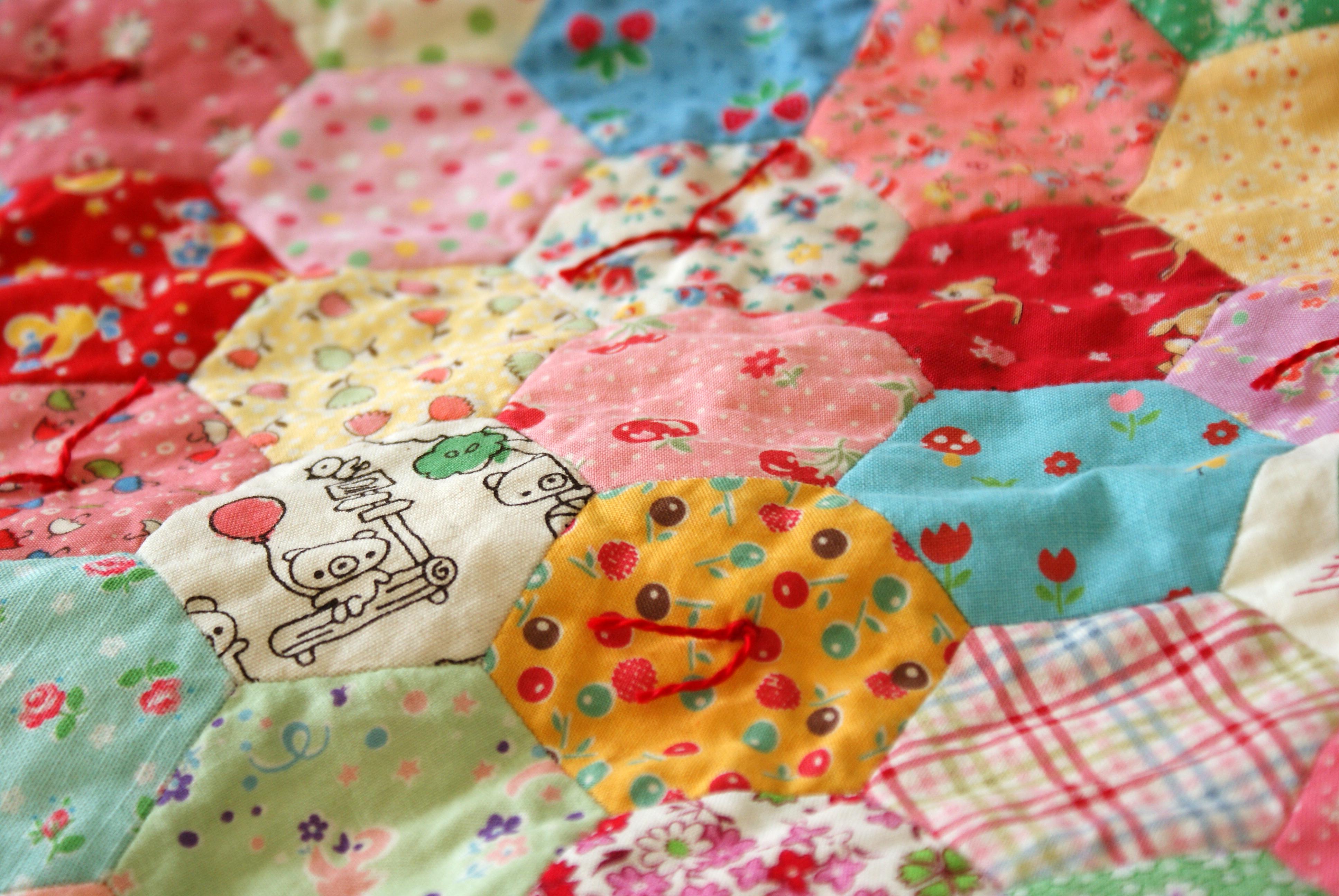 hand tied hexagon doll quilt nana pany