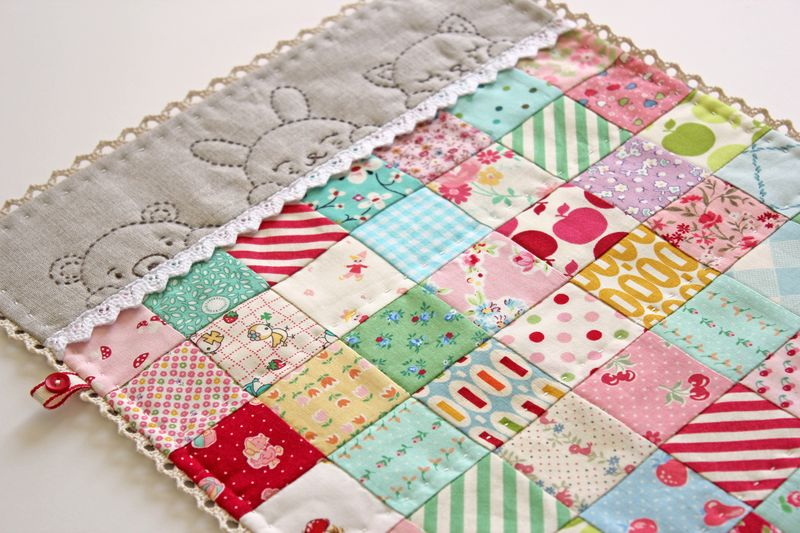 sleepy time doll quilt by nanaCompany, Q_0145p