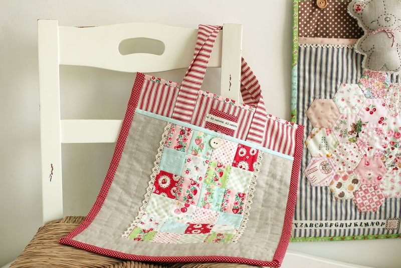 Strawberry patch tote_7805
