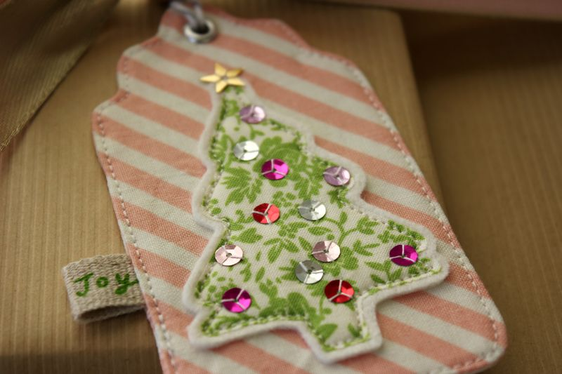 Shiny and bright Christmas tree tag by nanaCompany, T_2882p