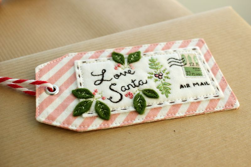 "handmade embroidered ""Love Santa"" tag by nanaCompany, T_2884"