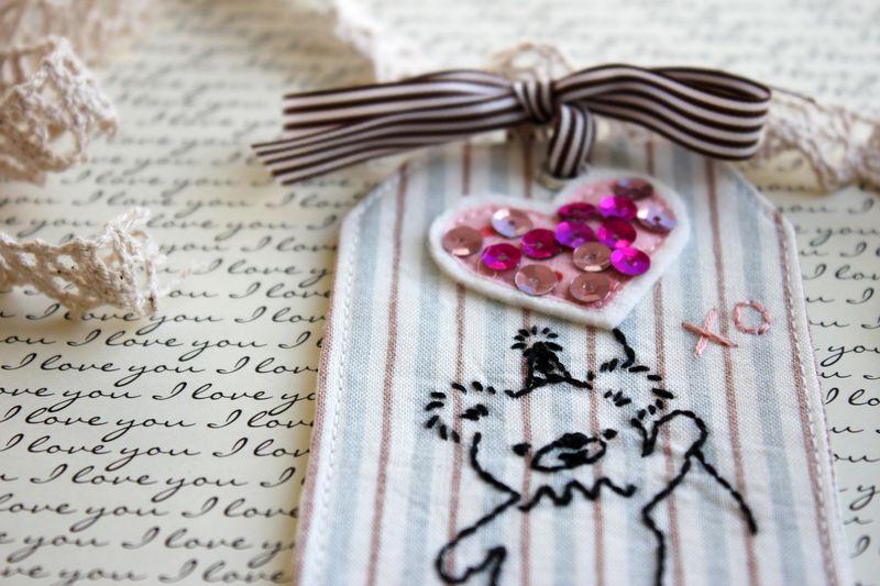 pink XO Bear tag