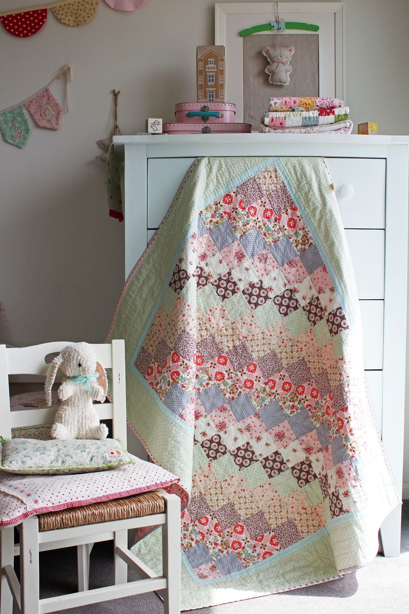Mint and Sorbet quilt by nanaCompany