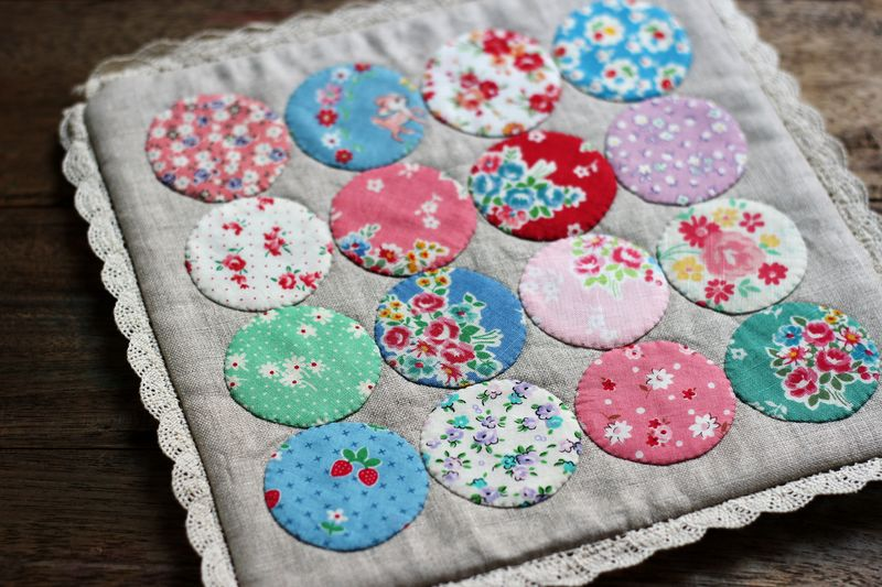 pretty dotty hotpad made by nanaCompany using Lori Holt's circle rulers