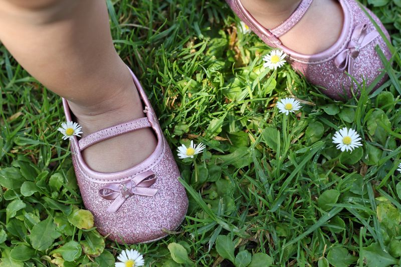 glitter shoes and daisies