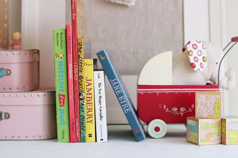 mia's books, B_8506p