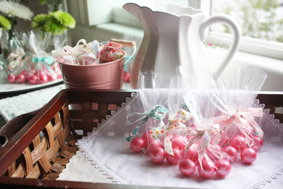 Mp-gumball-treatbags-tied-with-fabric-scraps_4122